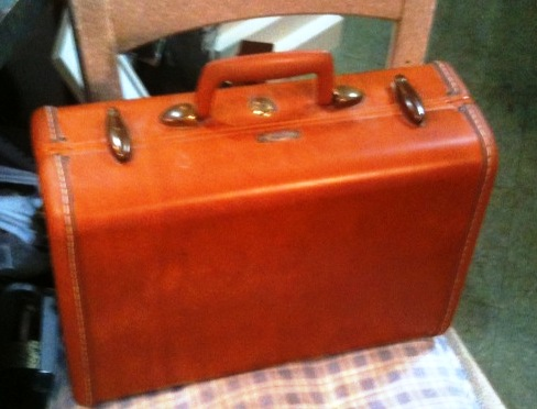 vintage suitcase side table and flea markets -